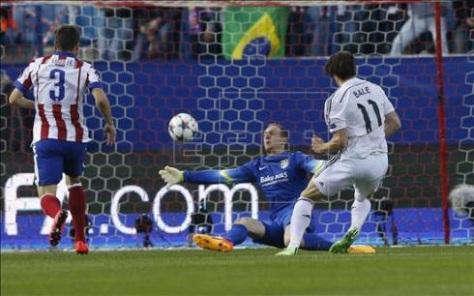 Oblak salvando un mano a mano a Bale que pudo ser determinante. Foto | EFE
